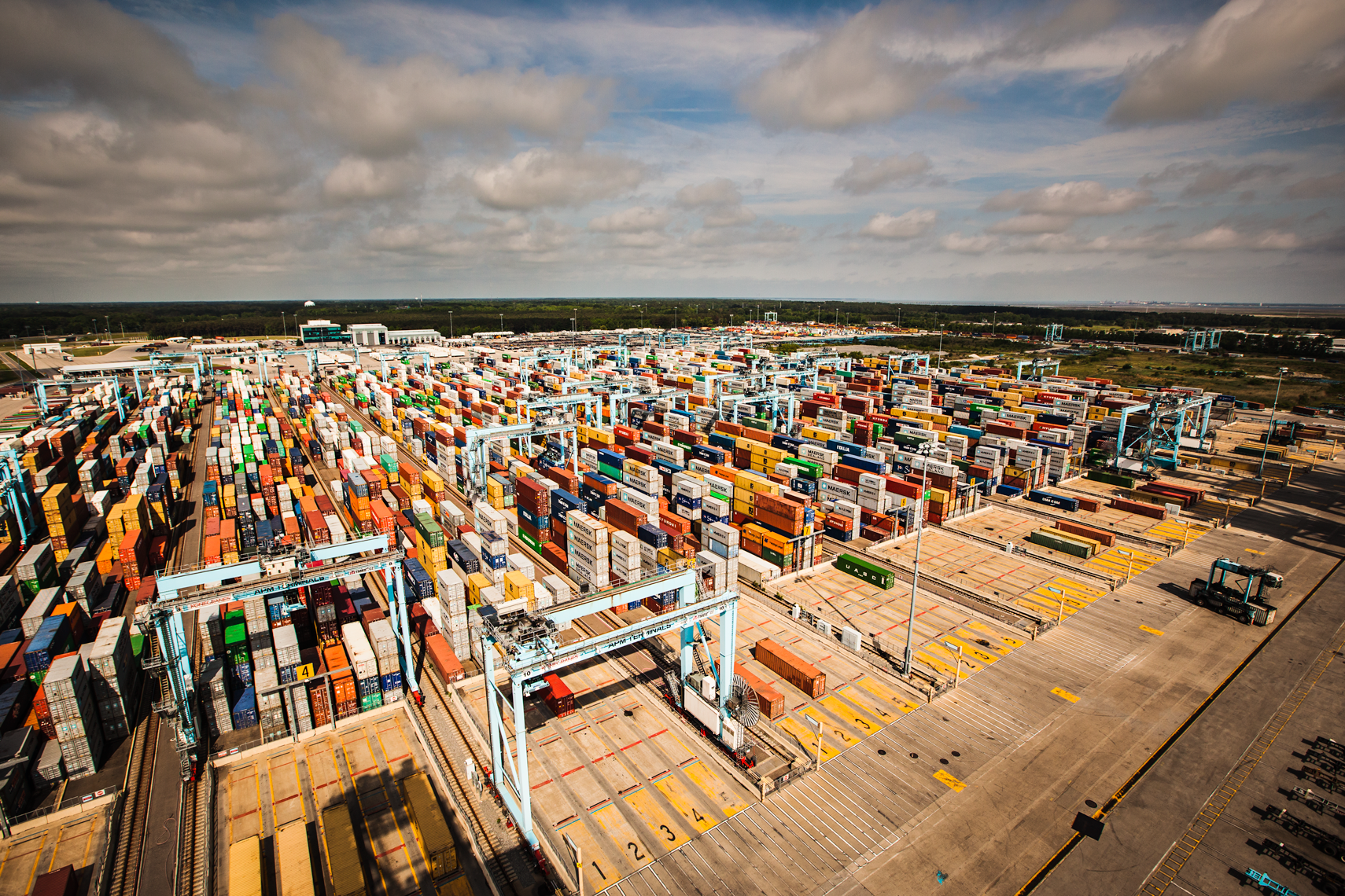 Containers-yard-pano